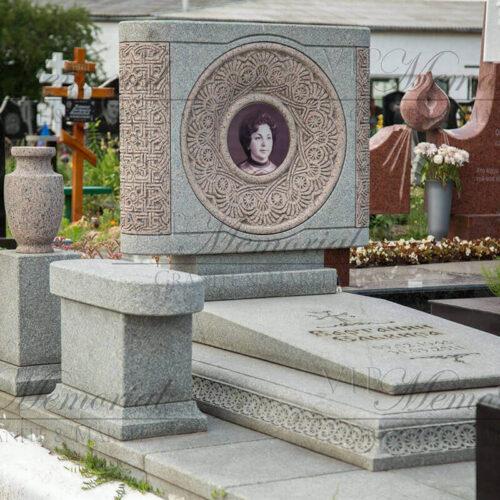 Эксклюзивный памятник из гранита