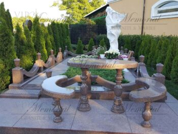 Мемориальный комплекс на могилу. Скульптура ангела из мрамора