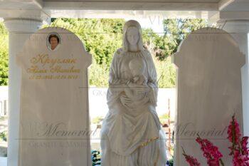 скульптура Девы Марии фото