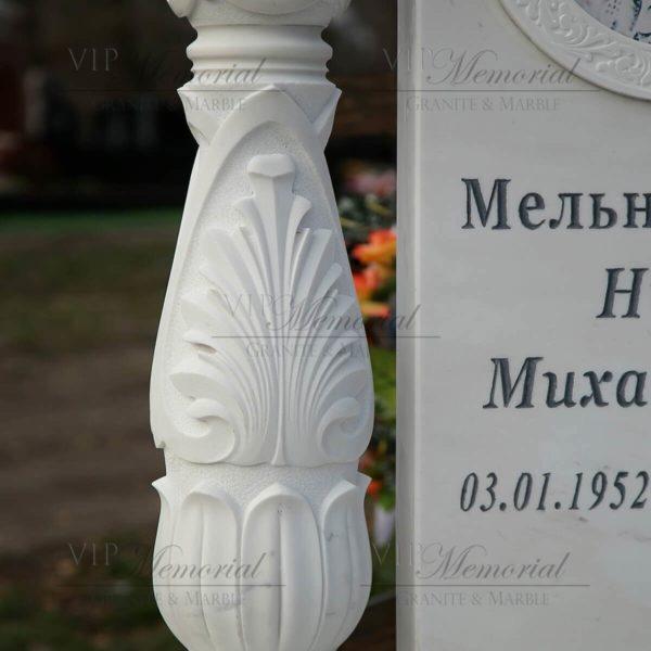 колонна из мрамора фото
