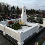 Памятники из белого мрамора фото
