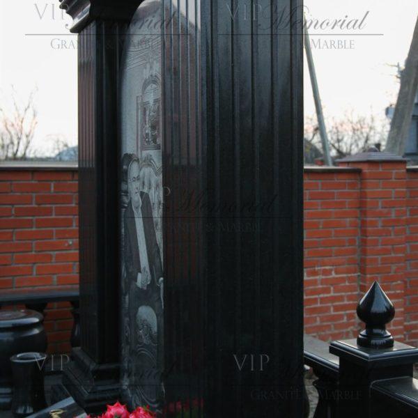 Гранитные колонны с каннелюрами фото