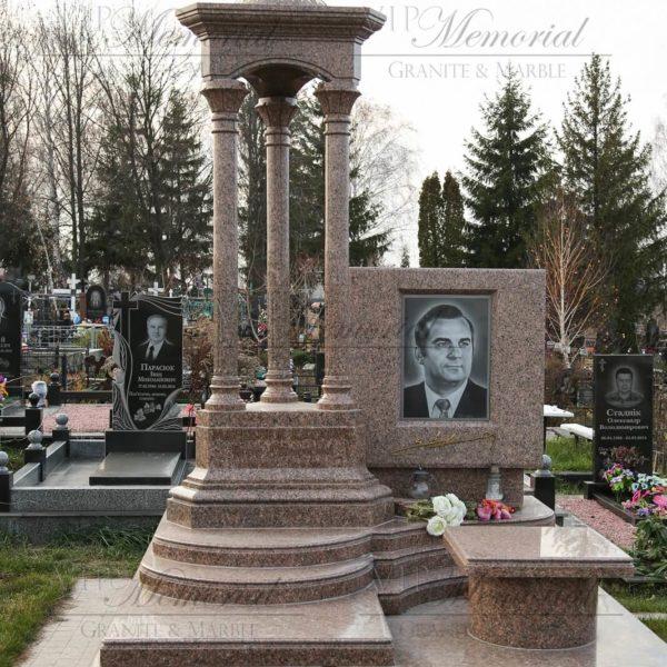 памятник на кладбище фото