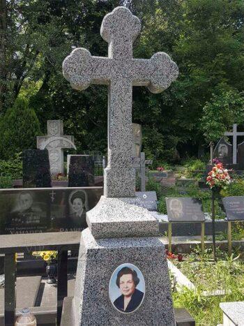 Крест из гранита фото
